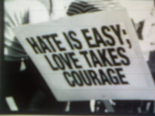hate-love-peace-protest-slogan-war-Favim.com-43630