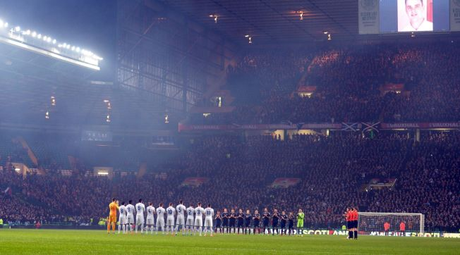 The Spectaular scene of Scotland and England players and fans at Celtic Park paying respect to dead kid