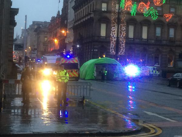 DsTndhNBQEK0ka9tKbuw_Glasgow bin lorry crash 3