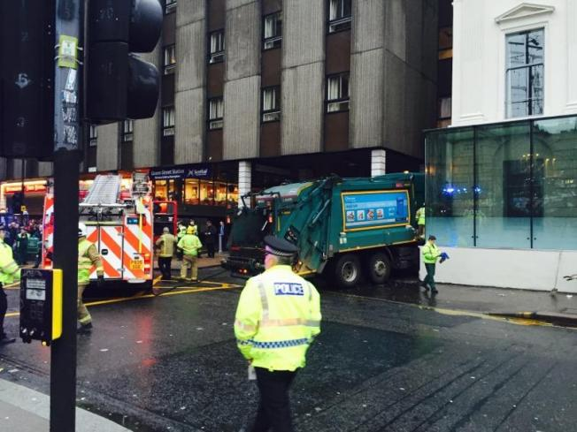 KytzHF0THO5A1PUy8Y4w_Glasgow bin lorry crash
